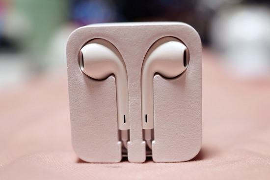Apple_EarPods_001.jpg